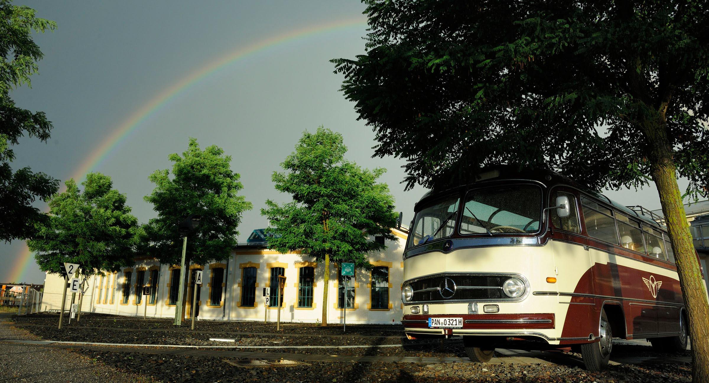 Die EdelweißClassic - Der Traum vom Autofahren mit Herz schien es am Samstagabend sogar Petrus angetan zu haben.