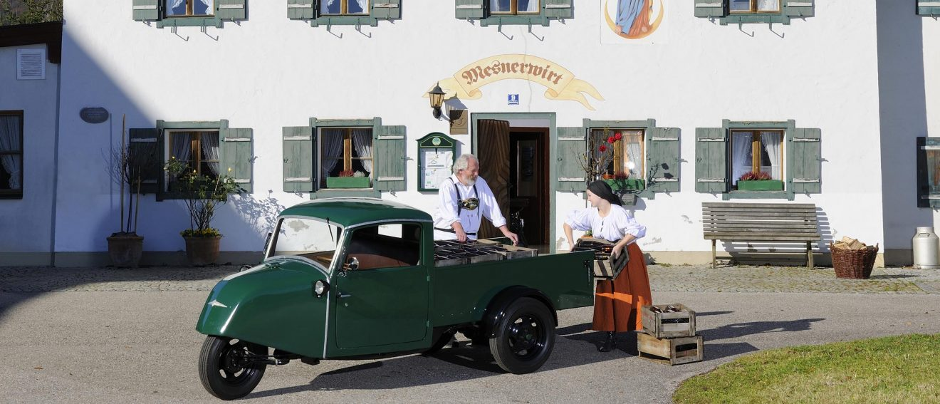 Goliath FS 400 vor dem Mesnerwirt in Ettenberg für die EdelweissClassic 2014 - Der Traum vom Autofahren mit Herz   Photo: Uwe Kurenbach