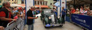 Die Sieger der EdelweißClassic 2015 Graf von Arco auf Valley Max und Gräfin Arco auf Valley Julia auf Mercedes 170 S BJ 1951